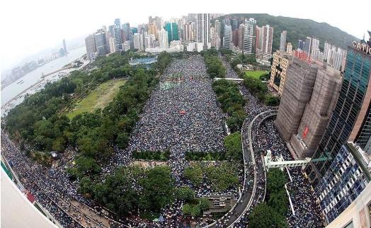 黄台之瓜,何堪再摘:李嘉诚挑战北京?