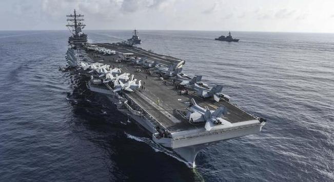 美独立日中美同时南海军唱对台戏