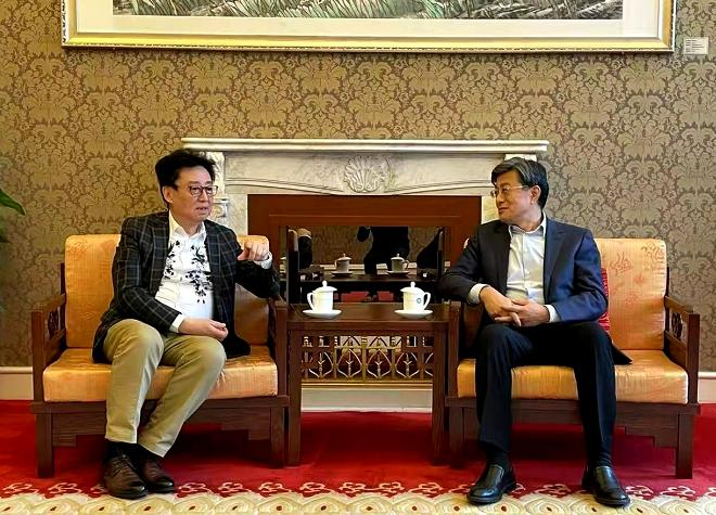 世界和谐基金会领导访问中国友好和平发展基金会