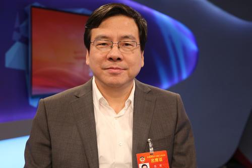 湖南省政协副主席、省工商联主席张健建议:着力培育创新型民营龙头企业