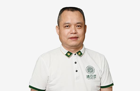 资深财经新闻人物:《亚洲经济导刊》执行总编辑刘泽宇